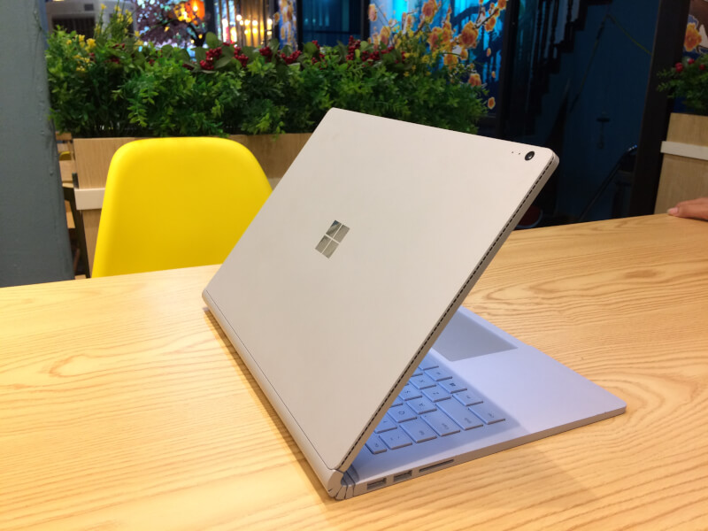 Surface-Book-gia-re -1