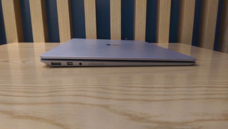 gia-Surface-Laptop-cu-tai-ha-noi