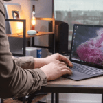 gia Surface Laptop 2