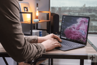 gia Surface Laptop 2