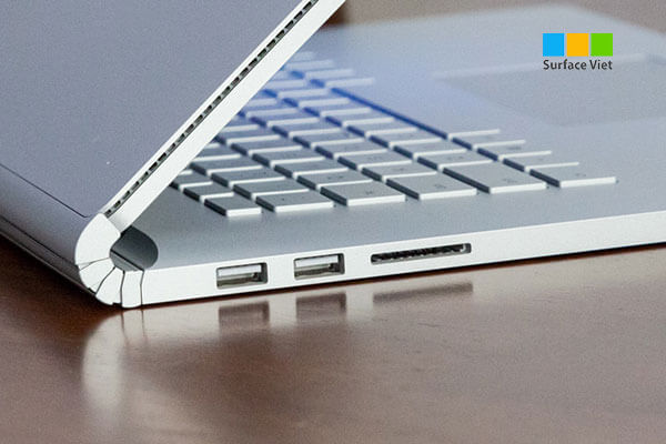laptop-Microsoft-Surface-Book-2-15-inch-1